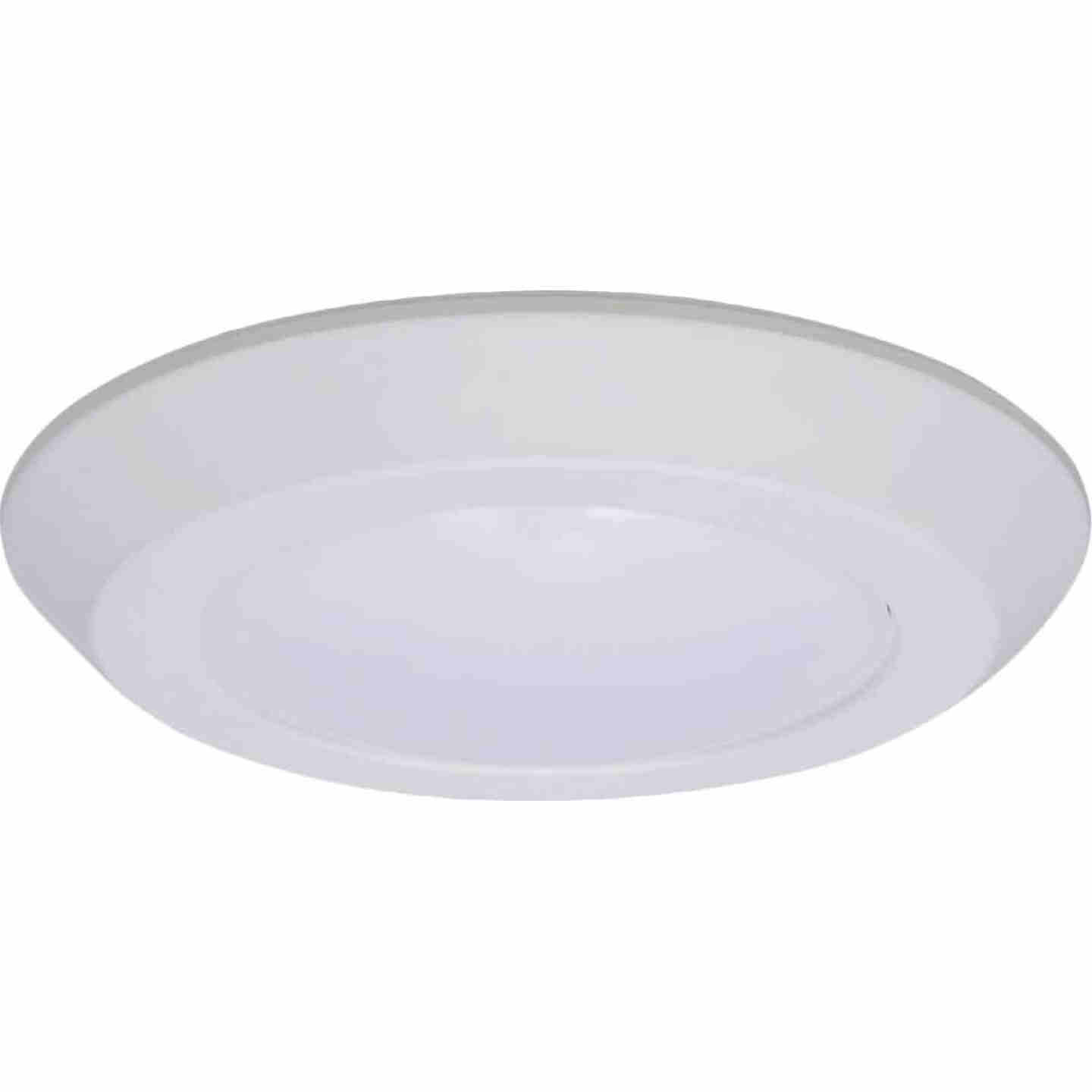 Halo 6 In. Retrofit Flush Mount Selectable Color Temperature LED Recessed Light Kit, 812 Lm. Image 1