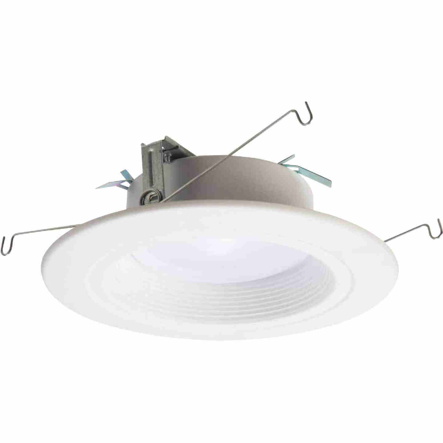 Halo 5/6 In. New Construction/Remodel Color Temperature Changing Retrofit LED Kit, 900 Lumens (California Compliant) Image 1